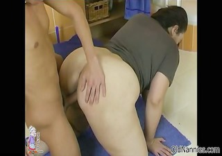 Horny mature woman goes crazy riding part6